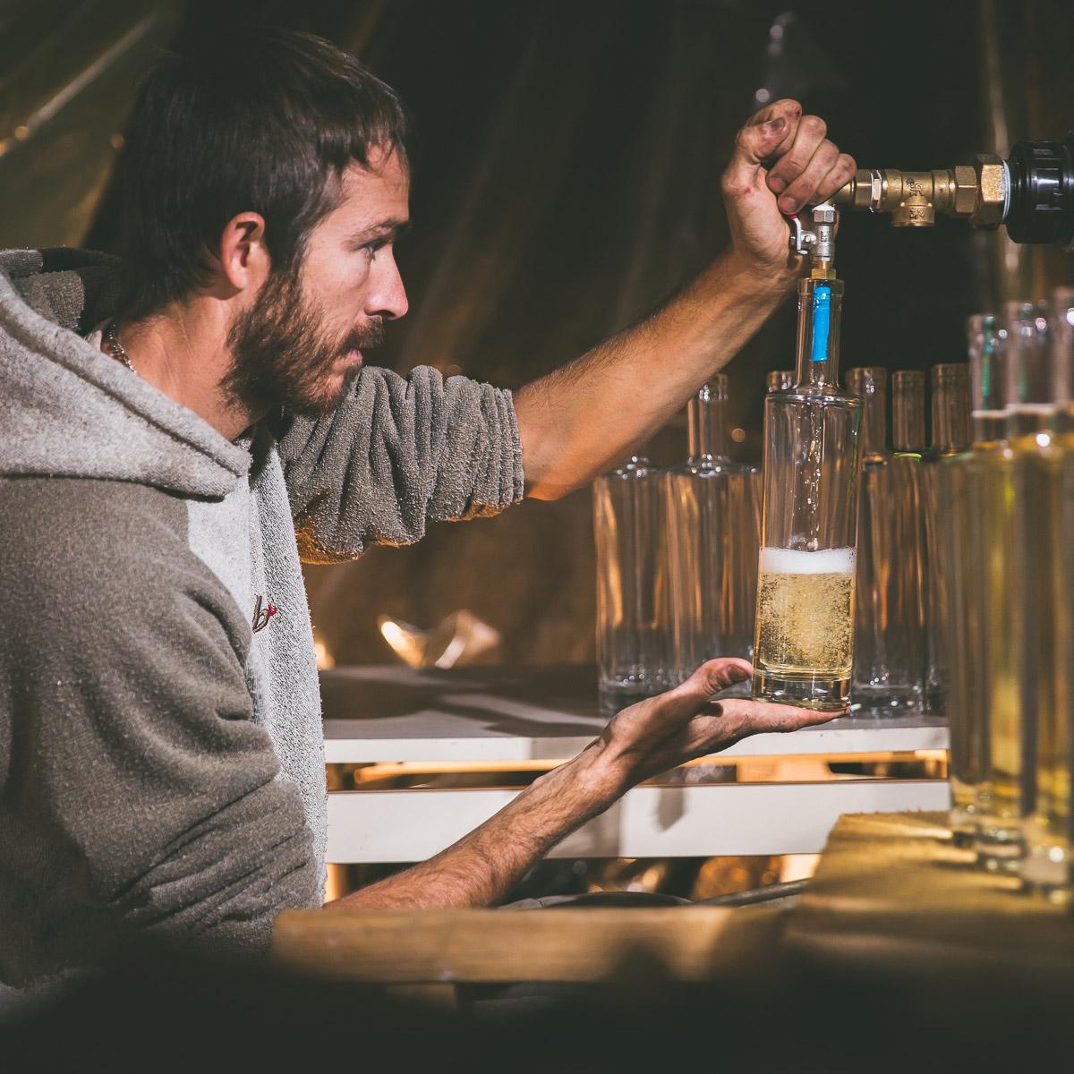 https://www.lasource-distillerie.fr/wp-content/uploads/2019/06/photos-felix-groizard-florent-augay-la-source-distillerie-1200x1200-8.jpg