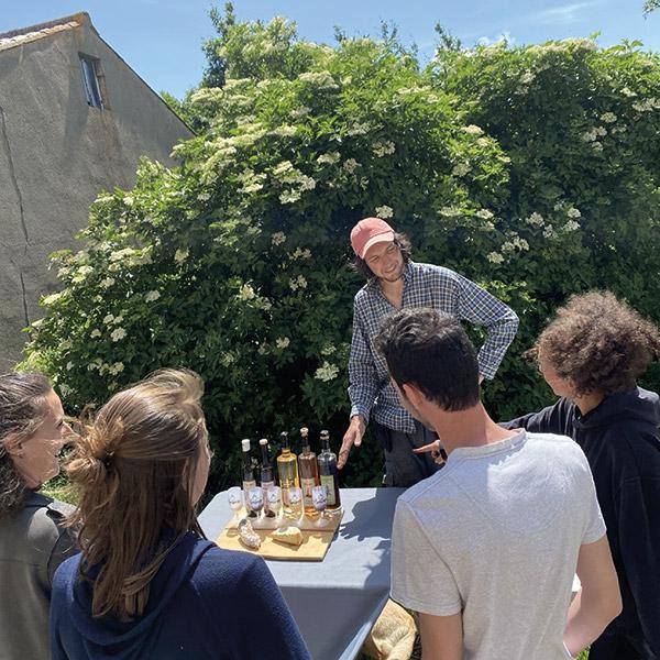 https://www.lasource-distillerie.fr/wp-content/uploads/2021/07/la-source-distillerie-monts-du-forez-06-600x600-1.jpg